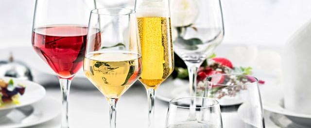 Las copas y el vino…