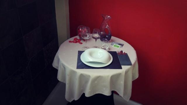Las mesas sin mantel son perjudiciales?